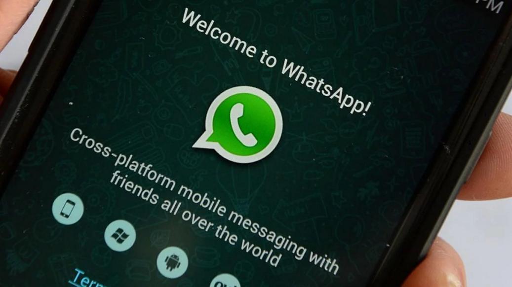 """Cambio de planes: WhatsApp podría no lanzar su esperado """"modo oscuro"""""""