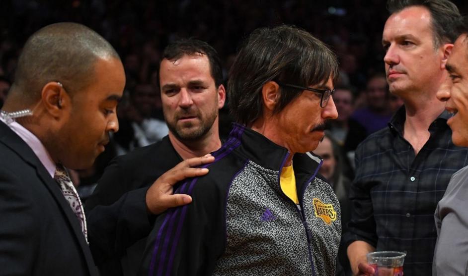 Anthony Kiedis fue expulsado en un partido de la NBA