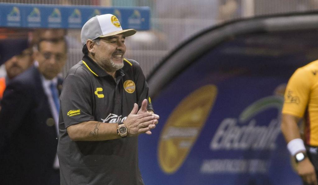 Diego Maradona no viajó a México y tendría un pie afuera de Dorados