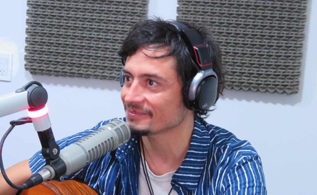 Jorge Arias dio un adelanto de su show en La Sardiñola