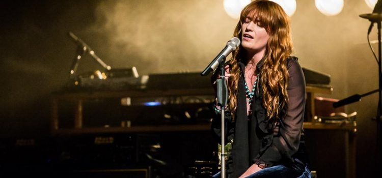 Florence + The Machine interpretó por primera vez en vivo la canción de GOT: «Jenny of Oldstones»