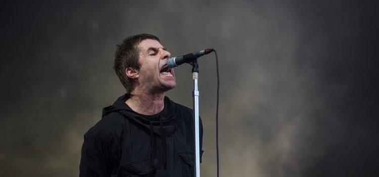 """Liam Gallagher anunció la fecha de lanzamiento de """"Why Me? Why Not"""" y estrenó el clip de """"Shockwave"""""""