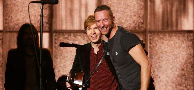 "Chris Martin y Beck cantaron ""Loser"" juntos"