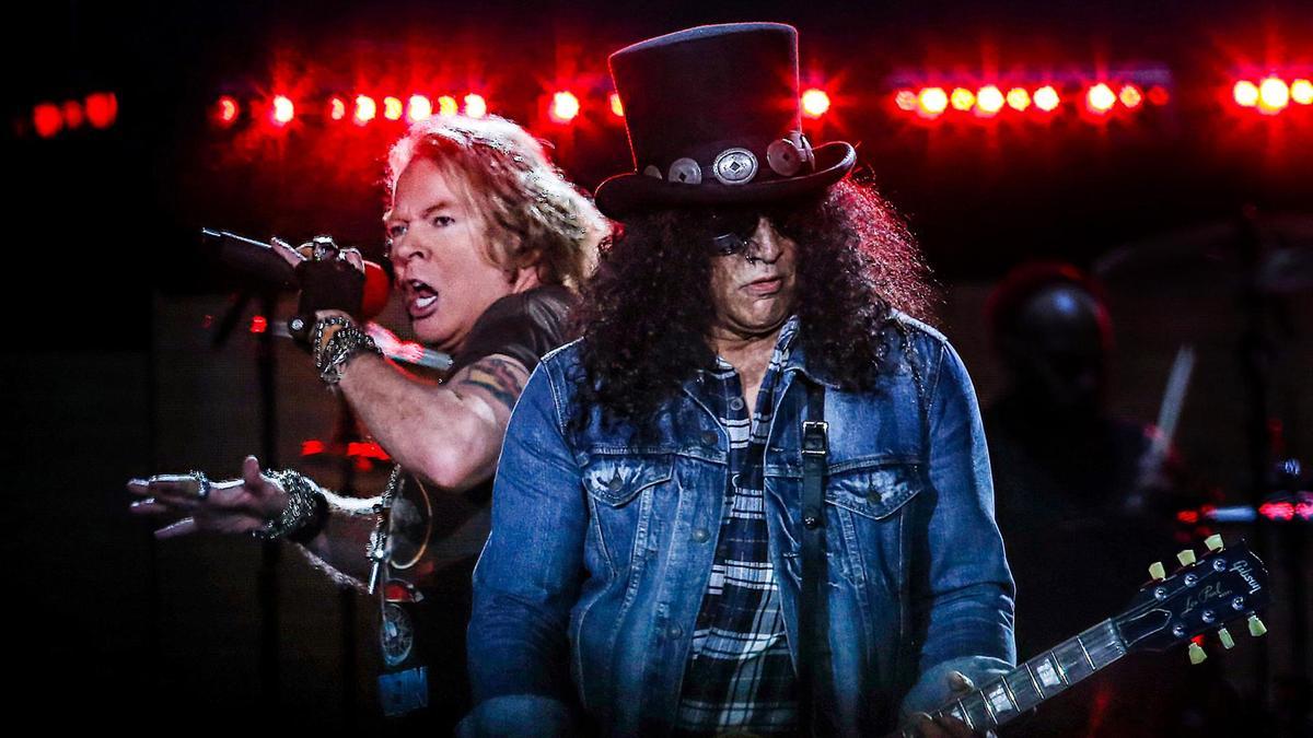 Slash confirmó que los Guns N' Roses lanzarán un nuevo disco