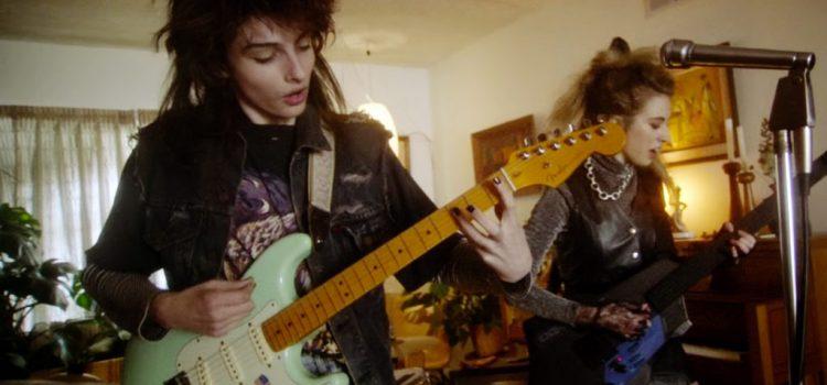Mike de Stranger Things protagoniza el nuevo video de Weezer