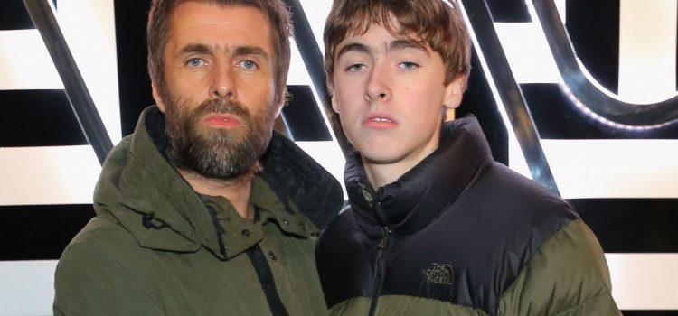 Liam Gallagher tendrá a su hijo como invitado en su próximo álbum