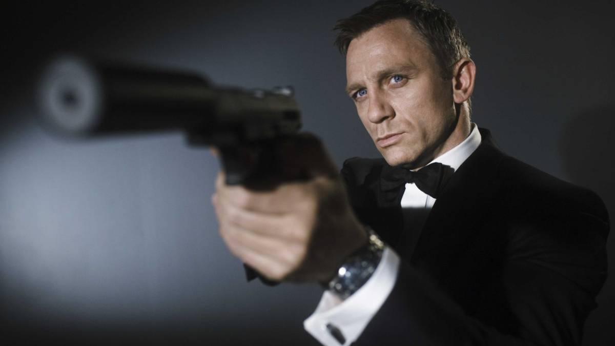 James Bond anticipa un villano enmascarado en nuevas imagenes del set