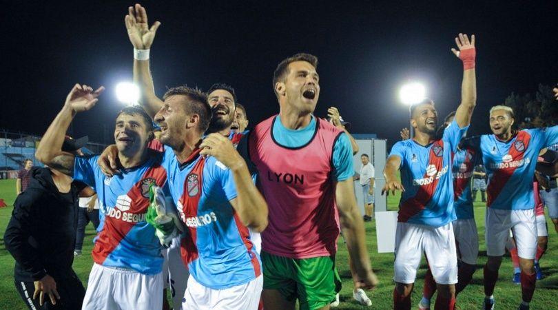 Sarmiento y Arsenal jugarán un desempate por el ascenso a la Superliga