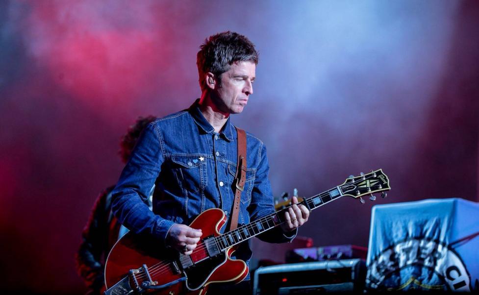 """Noel Gallagher lanzó """"Rattling Rose"""", su nueva canción"""