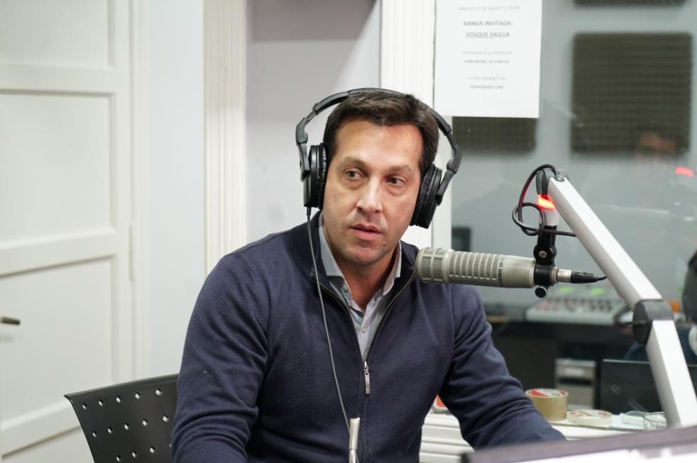 Arturo Rojas: «Vamos a achicar la planta política»