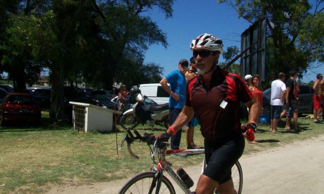 Mario Juliano conectará Necochea con La Plata en bicicleta con un propósito solidario