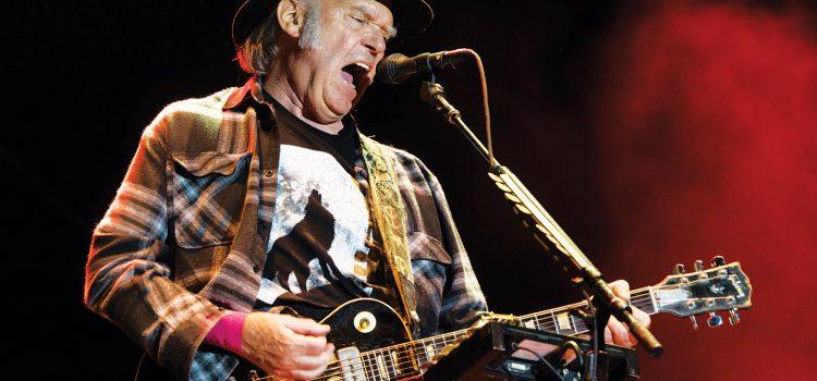 Bob Dylan y Neil Young cantaron juntos después de 25 años