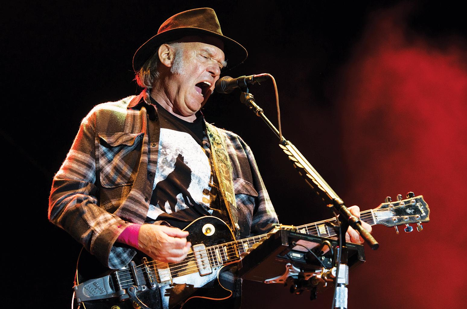 Neil Young presenta su nueva canción «Milky Way»