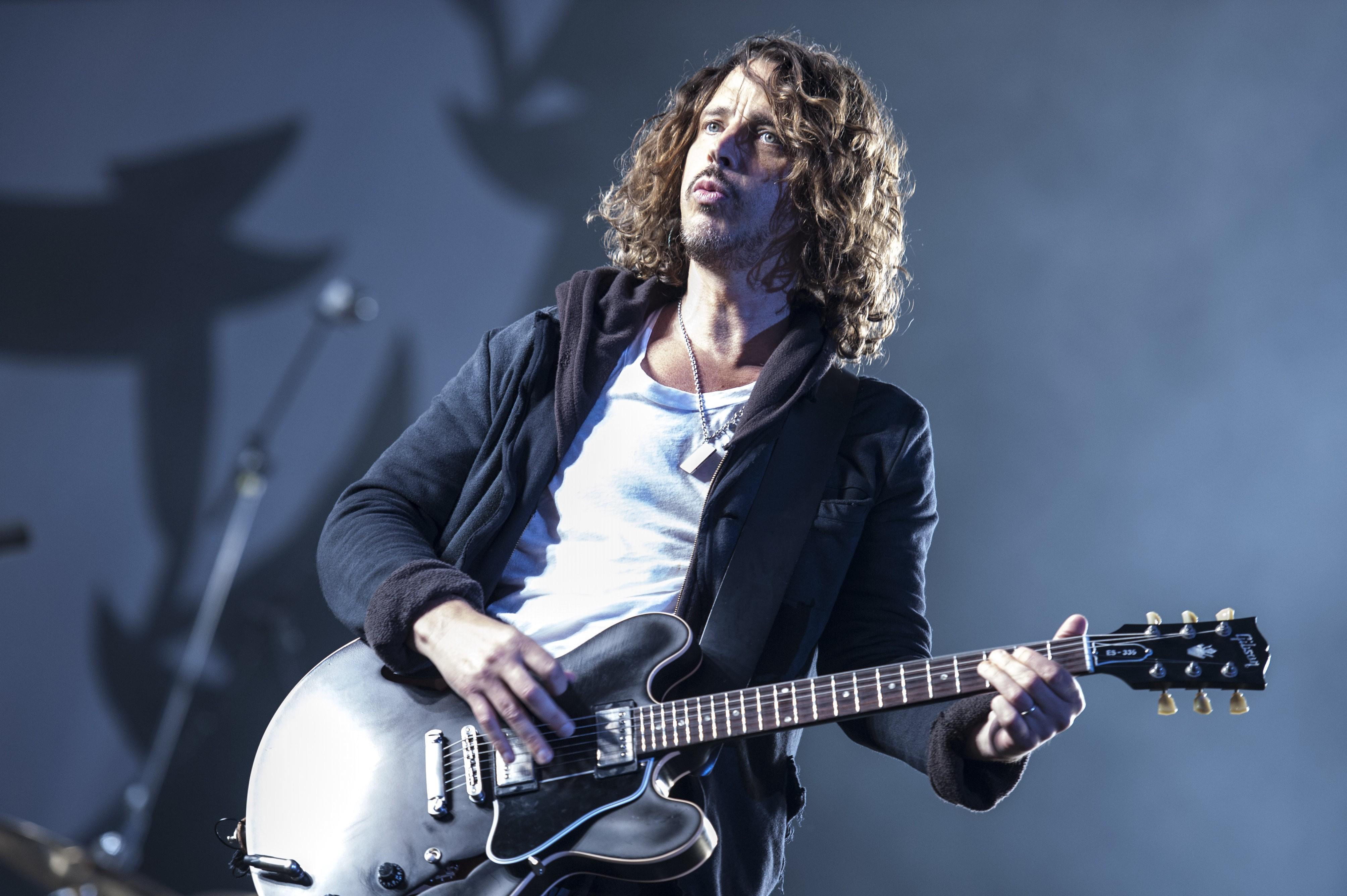 Gibson presenta su guitarra en homenaje a Chris Cornell