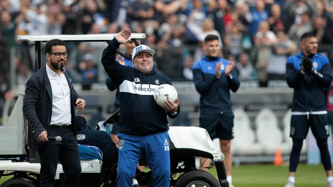 Mauro Coronato, vice de Gimnasia: «Diego Maradona se paga solo»