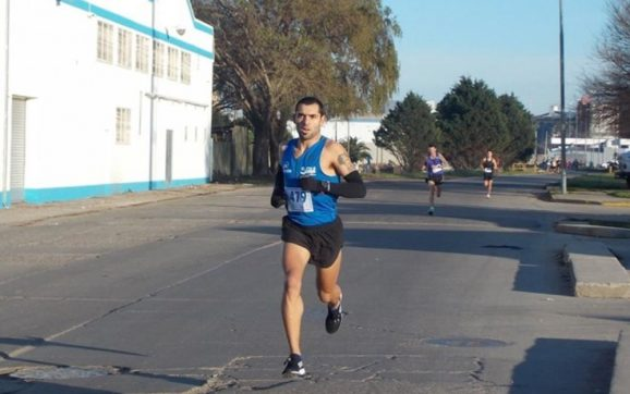 Federico Santibañez fue el mejor necochense de la Maratón de Buenos Aires
