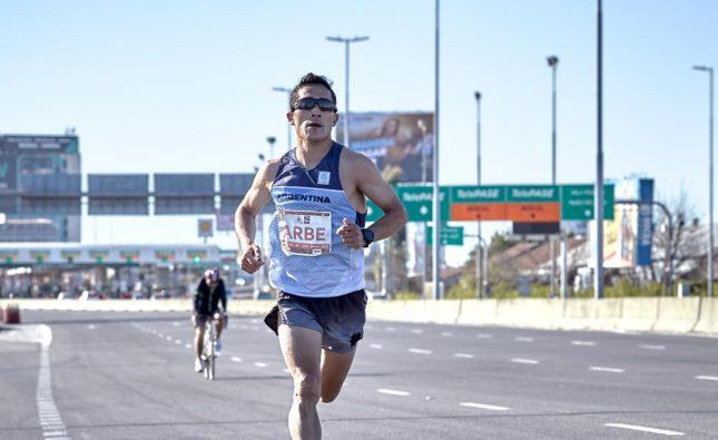 Joaquín Arbe, el mejor argentino en la Maratón de Buenos Aires: «Nunca pensé que me iba a salir esa marca»